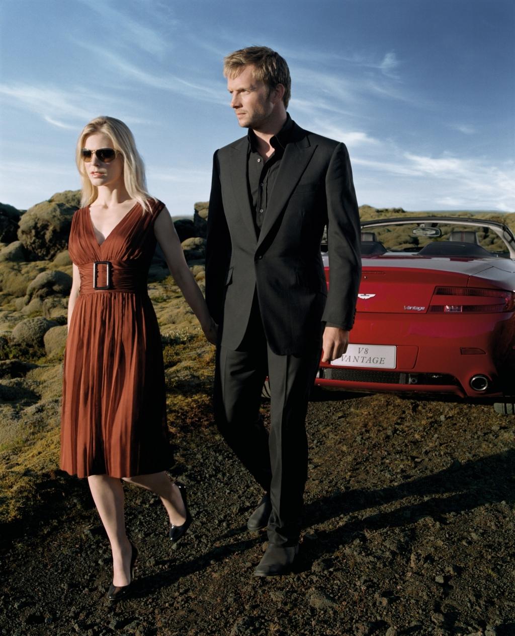 방안퉁수..혼자놀다 :: Rupert Penry-Jones ; Aston Martin V8 Vantage