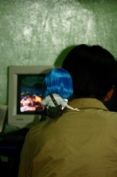 인형 사진: 송 모 군과 함께
