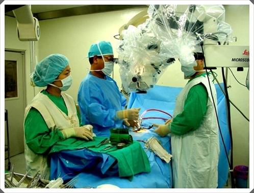 [추간판탈출증] 미세내시경과 미세현미경을 이용한 허리디스크 수술
