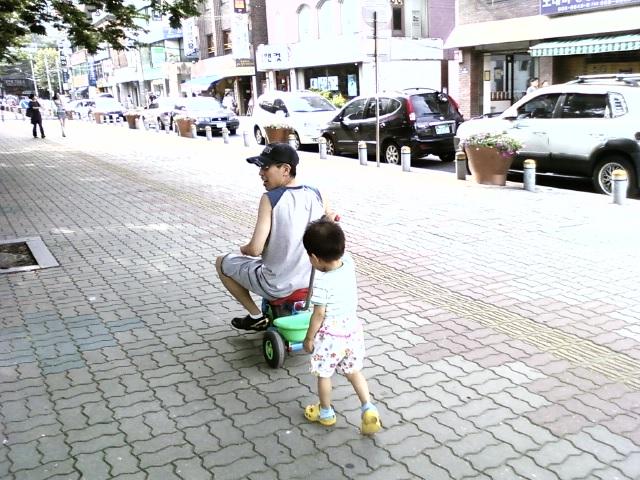 세발 자전거 타기