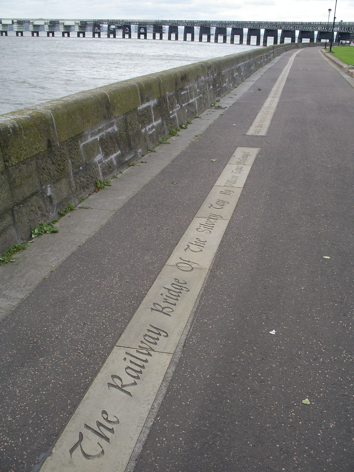 McGonagall Walk along with river Tay