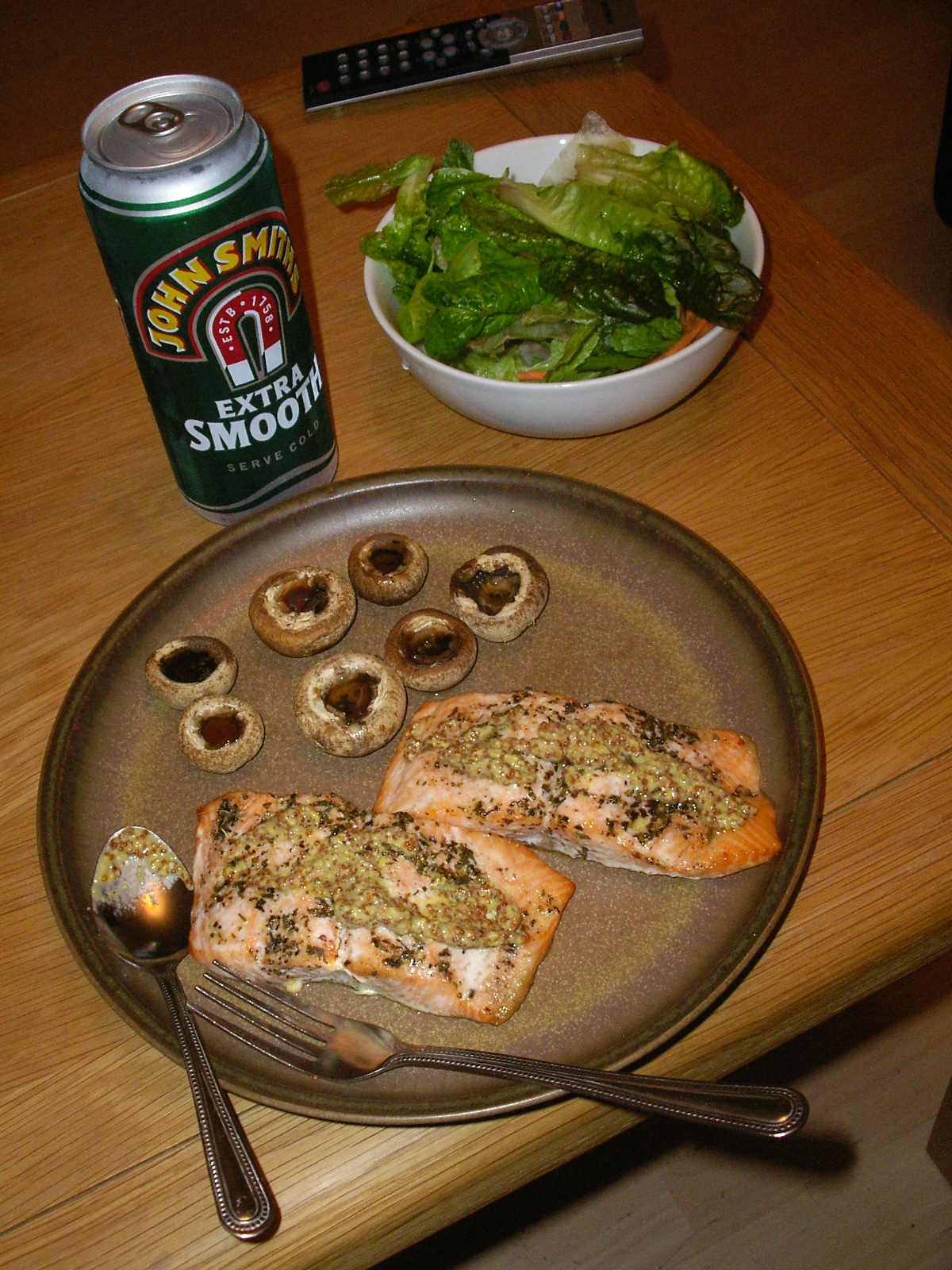 Salmon Steak with Grilled Mushroom & Salad