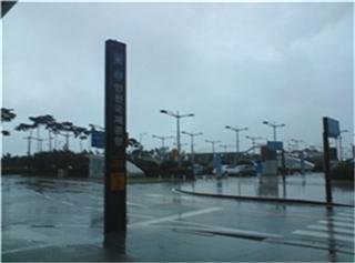 새벽녘 인천공항의 모습(5시반 도착함;;)